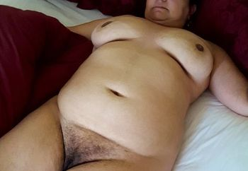 50yo nude in bed
