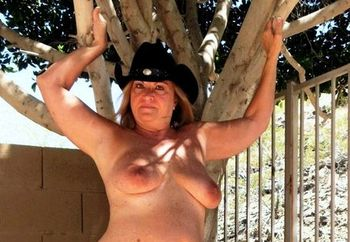 Cowgirl take's it all off !