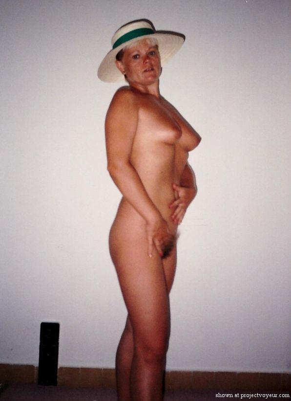 My naked wife 20 years ago - image1