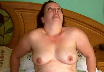 Chubby UK MILF showing off for all the w