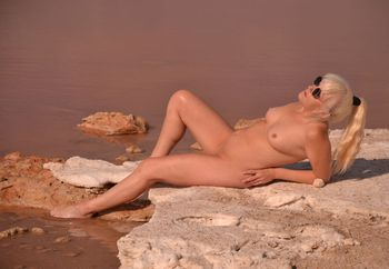 lil minx at the red salt lake