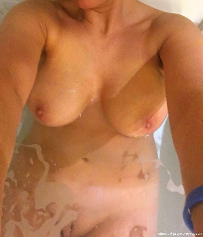 Shower time - image3