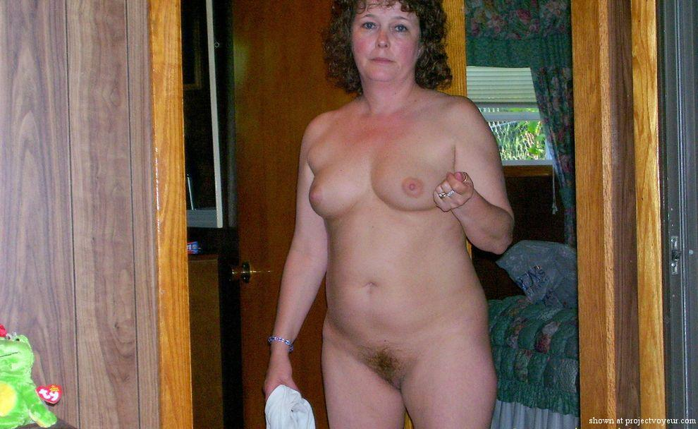 MATURE WIFE - image1
