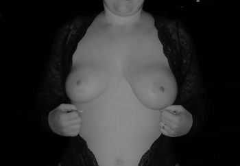 Kes in Black & White fishnet