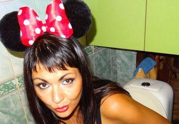 Depraved brunette Aljaska_23