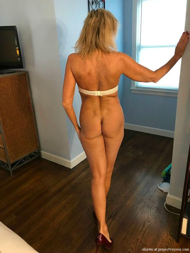Hot wife - image2
