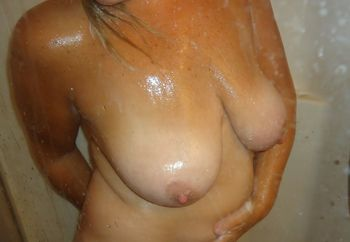 Shower Big Tits