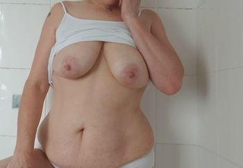 Tits glore