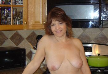 My Nude Kitchen Goddess