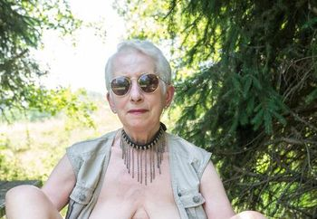 Romy 68yo in her county