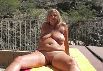 Outdoor Mature Wife ! - showall - Nude in Public Photos ...