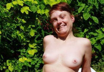 lil minx goes exhibionist in the garden