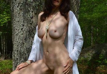 Zeena Is Outdoors and Hot