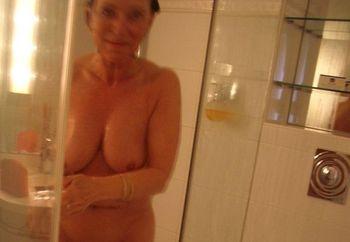 mature enjoys her shower