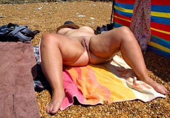 Being naked at the beach is the best