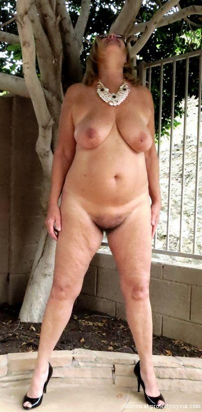Naked in my backyard ! - image5