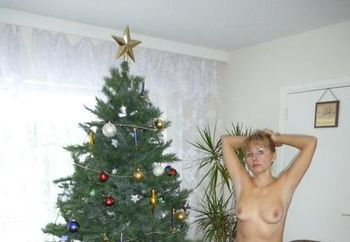 Iren Christmas posing