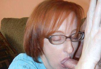 Redhead MILF Layla sucks two dicks