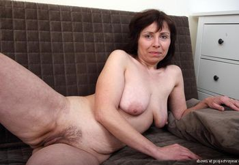 Horny lady spread for you