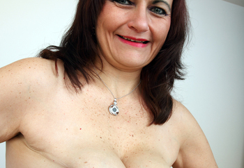 mature lady looking for some fun!