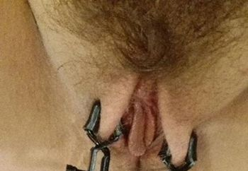 Chain and pussy