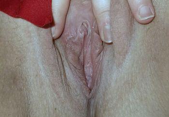 Shy Swedish Milf show her pussy