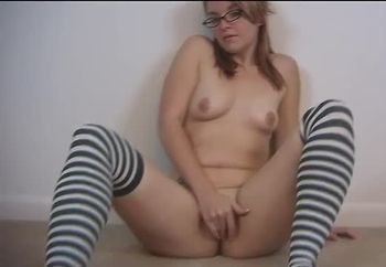 rubbing me wet pussy