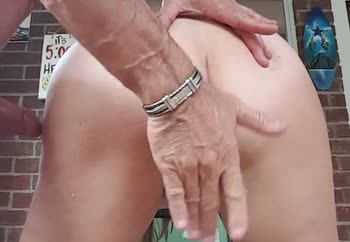 Her pussy squirts