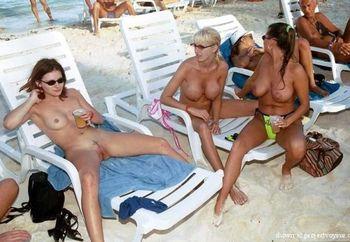 A La Playa Nudista