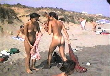 three girls in the nude beach (ii)