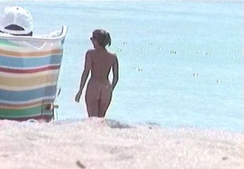 nude beach hottie!