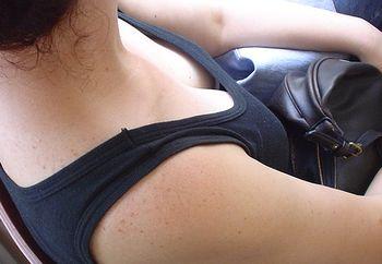 tits in train