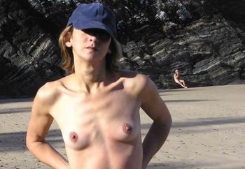 Nip : Claudia On The Beach - 02