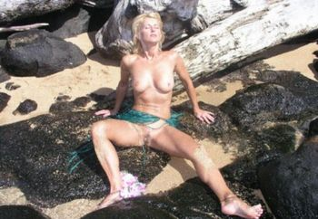 Nip: Hungarian Hula Girl #2