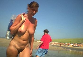 dutch-nude-public