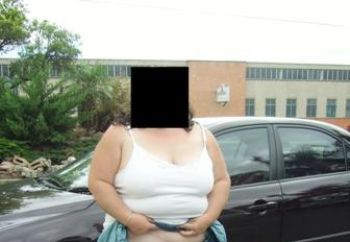 Nip: Oz Wife Out & About