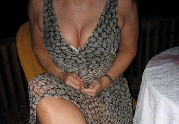 Hot 37 Yr Old Milf/nip 1st Time