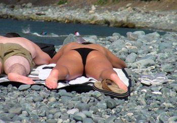 Suntanning, A Spectator Sport