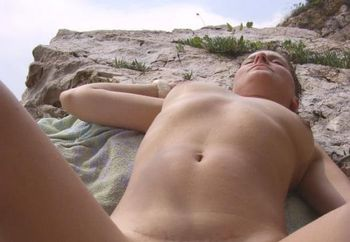 Yng Milf Nude On Beach