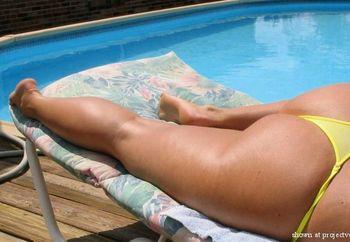 Busty Bikini-yellow