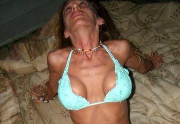 Jasmines Loses Her Blue Bikini