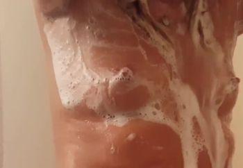 Shower Dancin