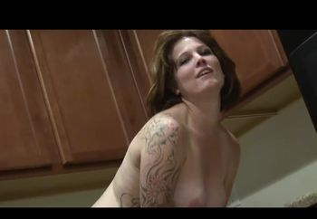 hornymum in the kitchen