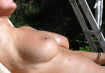 Chellemilf Sunbaking Again
